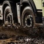 Volvo Trucks пуска пет нови функции за неравен терен